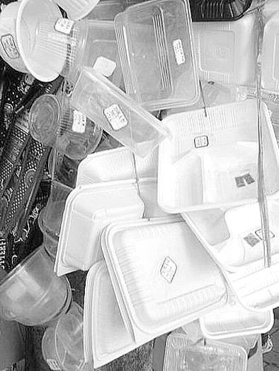 小制作 用废品做 笔桶。