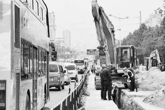 有工业北路高架桥项目即将施工;在西部