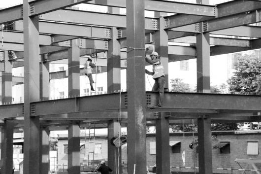 会议通过了《装配式钢结构住宅用钢梁》,《装配式钢结构住宅用柱》