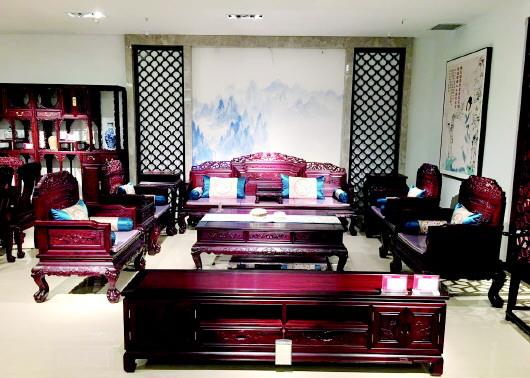 巧夺天工继2016年淄博,临沂独立店相继开业后,其位于济南的富雅红木楼