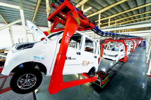 不再核准新建传统燃油汽车企业