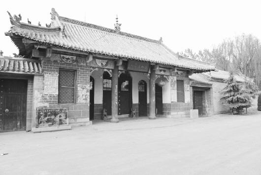 闫什镇_首页 大众日报 专版    历山古遗址位于鄄城县东南22公里的闫什镇历山