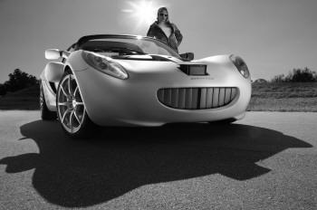 该车为全球首款潜水跑车